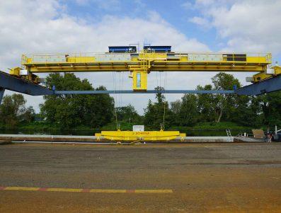 ADIF: Servicio de mantenimiento de puentes grúa en el centro de tecnología de vía de Valladolid